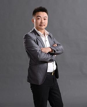 高级设计师谭伟